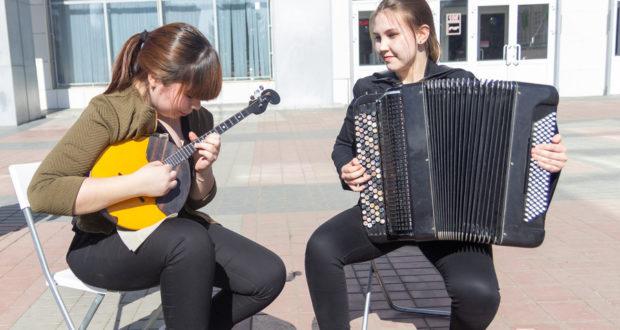 Благотворительный концерт на бульваре Энтузиастов